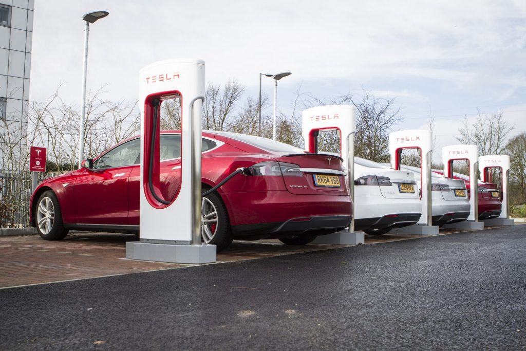 tesla-superchargers-at-eclipse-park-maidstone